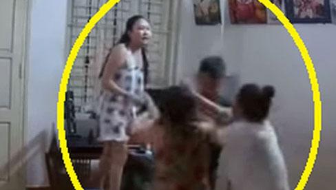 Clip: Đại chiến mẹ chồng đánh con dâu, chị chồng quỳ rồi cầm dao đòi em trai giết để
