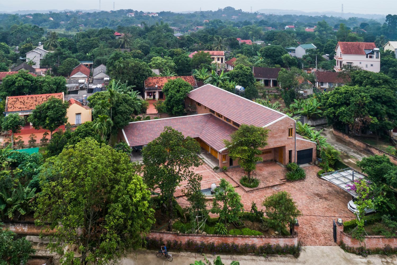 Mê mẩn với nhà gạch gỗ xoan nhiều cửa ở Phú Thọ-16