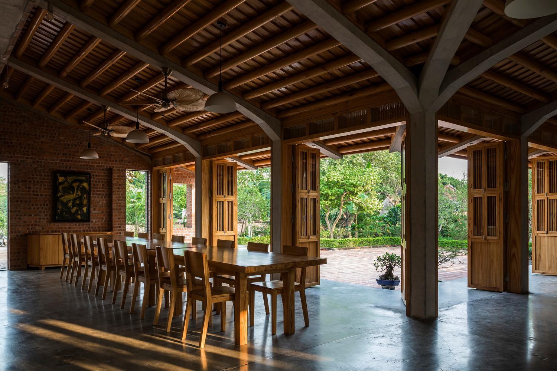 Mê mẩn với nhà gạch gỗ xoan nhiều cửa ở Phú Thọ-4