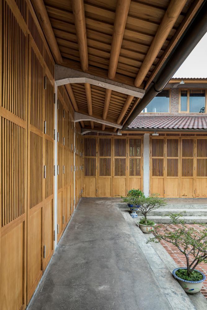 Mê mẩn với nhà gạch gỗ xoan nhiều cửa ở Phú Thọ-6