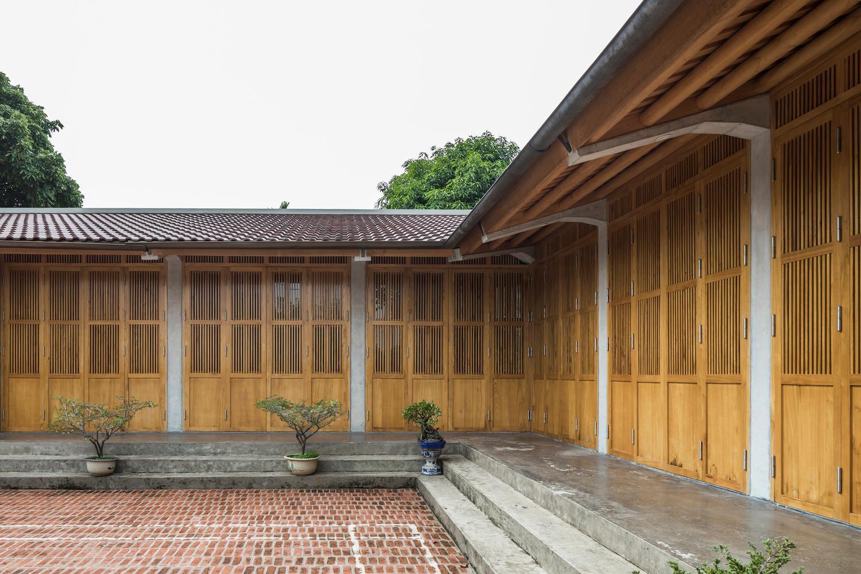 Mê mẩn với nhà gạch gỗ xoan nhiều cửa ở Phú Thọ-7