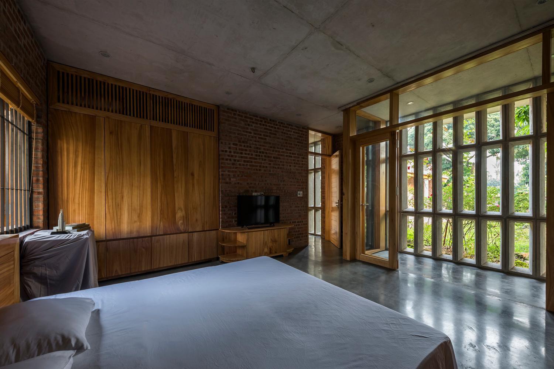 Mê mẩn với nhà gạch gỗ xoan nhiều cửa ở Phú Thọ-10
