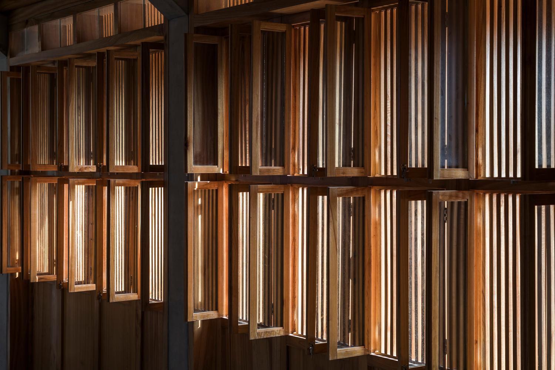 Mê mẩn với nhà gạch gỗ xoan nhiều cửa ở Phú Thọ-14