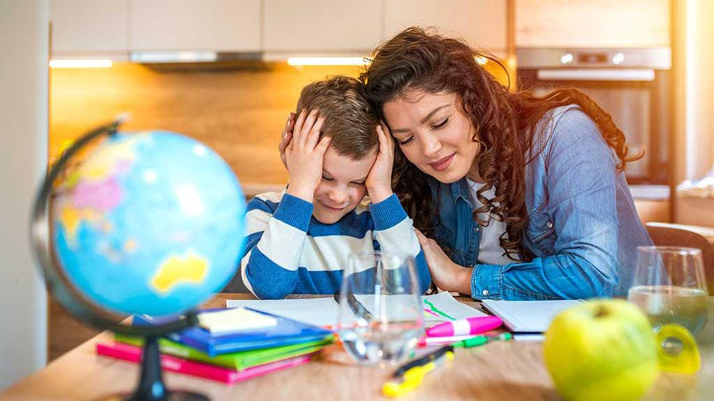 Cách cha mẹ dạy con học ở nhà hiệu quả