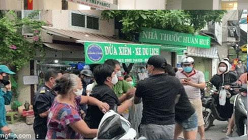 Hà Nội: 2 vợ chồng chống đối, gây rối tại chốt kiểm dịch chợ Yên Phụ