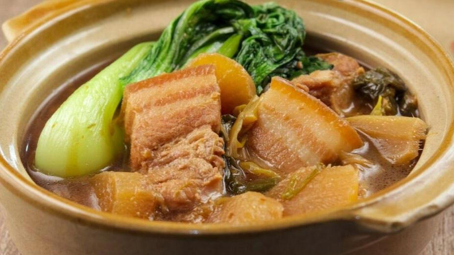 Cách làm thịt ba chỉ kho củ cải mềm ngon cho bữa tối