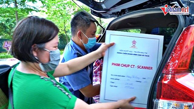 Gần 100 ô tô thay nhau chở miễn phí bệnh nhân ngày Hà Nội giãn cách