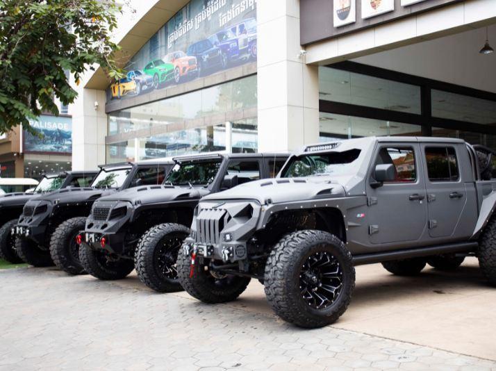 Dàn quái thú Jeep Gladiator độ 6 bánh, dân offroad phát mê-1
