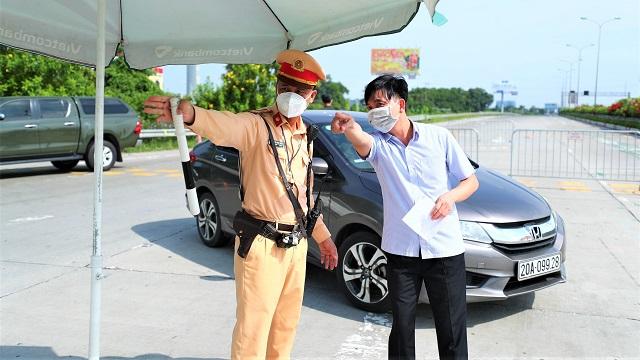 Người ra khỏi Hà Nội về các địa phương khác làm việc cần những giấy tờ gì?