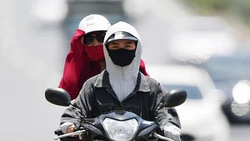 """Nắng nóng kinh hoàng và kéo dài nhiều ngày ở miền Bắc, Hà Nội như """"chảo lửa"""" nền nhiệt cao nhất 38 độ C"""