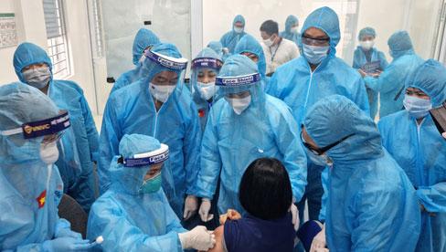 Ngày 14/8 thêm 9.716 ca Covid-19, tiêm vắc xin phủ gần 13% dân số
