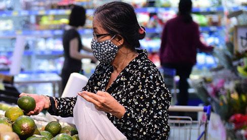 Đi chợ mùa giãn cách: Bí quyết sắm đủ vẫn an toàn