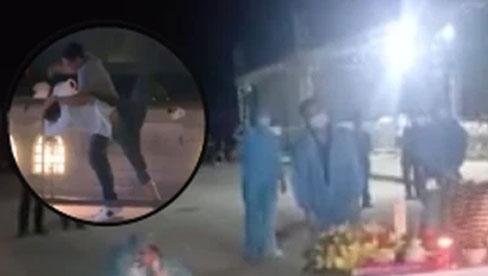 Người thân oà khóc nức nở trong giây phút đón nhận tro cốt của nam thanh niên bị sát hại ở Nhật về với vòng tay gia đình