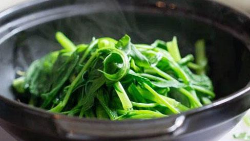 Có một kiểu ăn rau khiến rau mất chất, dễ gây ung thư nhưng đáng tiếc là hàng triệu gia đình Việt đều đang mắc phải