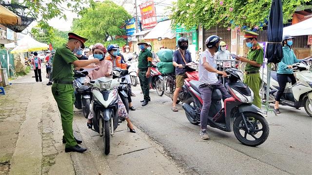 Huyện Thanh Trì yêu cầu người đi đường có lịch trực, lịch làm việc