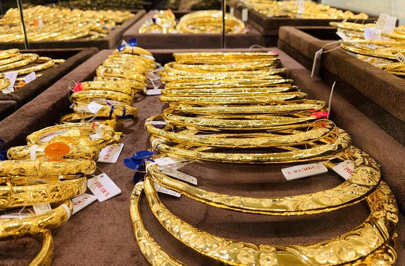 Giá vàng hôm nay 7/9: USD xuống đáy, vàng tăng vọt-2