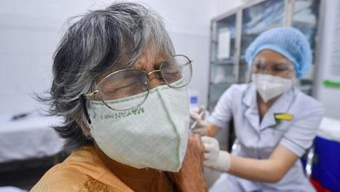 Người tiêm mũi 1 Moderna, mũi 2 có thể thay thế bằng vaccine nào?