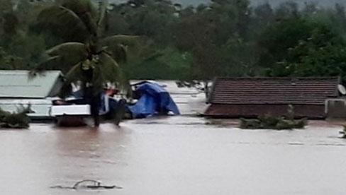 Thường xuyên cập nhật thông tin về diễn biến mưa bão, thiên tai trên phương tiện thông tin đại chúng (