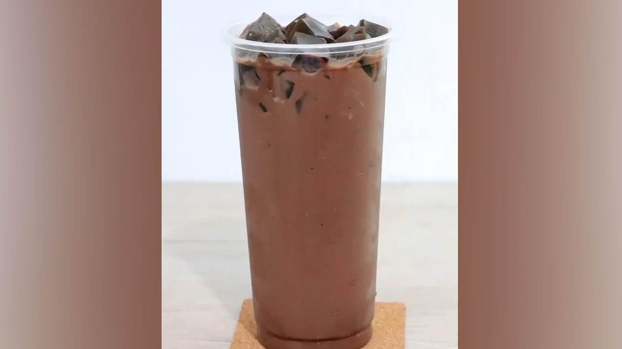 Cách pha cacao sữa đá với thạch sương sáo lạ miệng