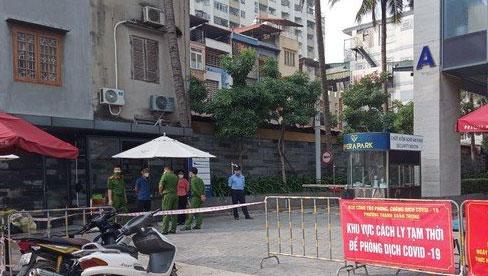 Hà Nội: Ca dương tính SARS-CoV-2 giao hơn 100 đơn hàng trong khu chung cư Rivera Park