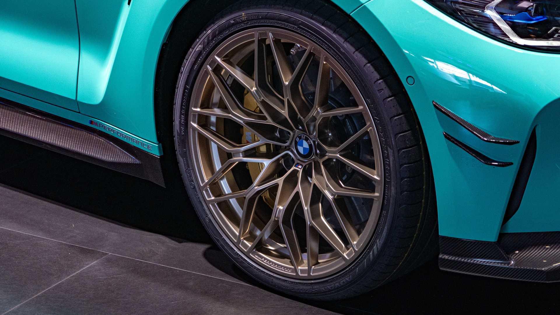 Chiêm ngưỡng xe sang BMW M4 màu xanh Mint lạ mắt-4