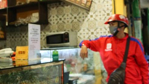 Từ 12 giờ 16.9, Hà Nội cho phép bán hàng ăn mang về, mở văn phòng phẩm
