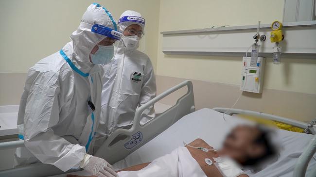 Lần đầu tiên mổ cấp cứu bệnh nhân Covid-19 bị ung thư đại tràng, nguy cơ tử vong cao