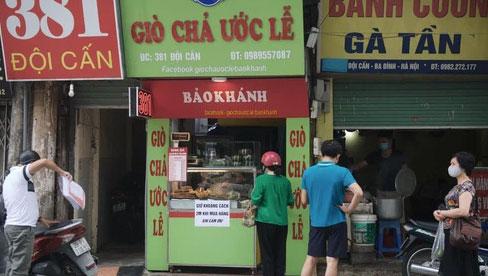 """Hà Nội: Người dân ở """"vùng đỏ"""" có được mua hàng/đồ ăn bán mang về ở """"vùng xanh"""" không?"""