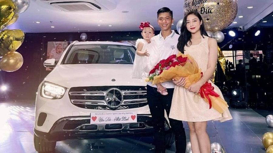 Bóc giá xế hộp bạc tỷ cầu thủ Phan Văn Đức mua tặng vợ