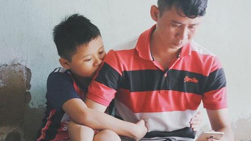Mẹ nhiễm Covid-19 rồi mất sau ca sinh mổ, bé trai 8 tuổi bỗng thành mồ côi: