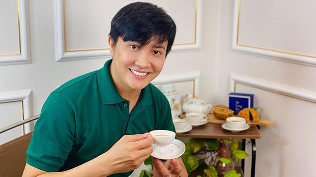 MC Nguyên Bảo mê trồng rau, làm bánh, quay show 'dã chiến' tại nhà mùa dịch