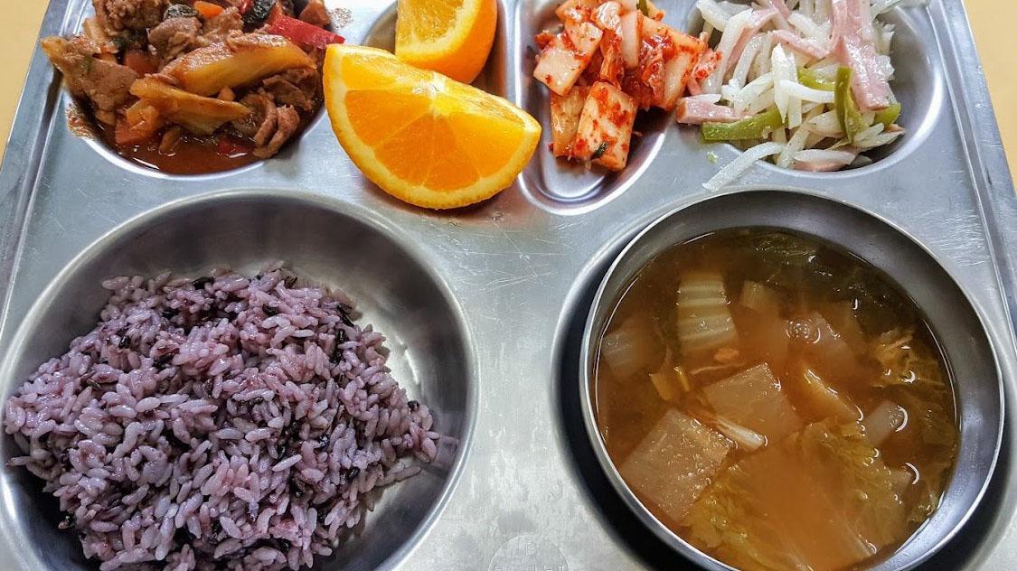 Có gì trong bữa trưa của học sinh trên thế giới