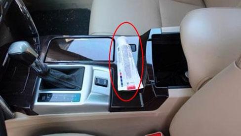 Tại sao lại nên có kem đánh răng ở trong xe? Người lái xe già: Nó giải quyết những rắc rối lớn