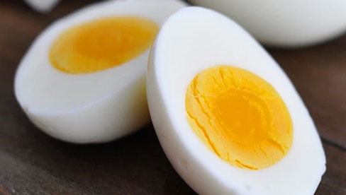 Lòng trắng trứng giàu dinh dưỡng lại chứa lượng collagen dồi dào nhưng chuyên gia khẳng định chỉ tốt khi dùng đúng cách