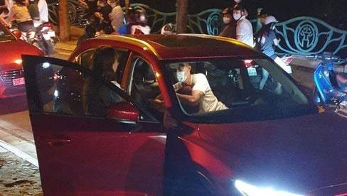 """""""Ngồi xe nào dễ bị đánh ghen nhất"""": Lexus LX 570 chiếm vị trí đầu bảng, loạt xe sang phía sau gây tranh cãi kịch liệt"""