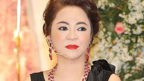 Quản lý của bà Phương Hằng đăng loạt danh sách trong drama từ thiện, hàng loạt nghệ sĩ, người nổi tiếng được gọi tên