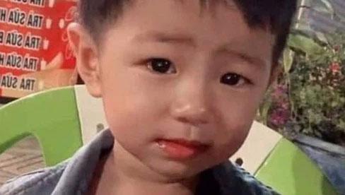 Vụ bé trai mất tích bí ẩn ở Bình Dương: Người dân nhìn thấy đôi nam nữ chở theo cháu bé giống với nhận dạng