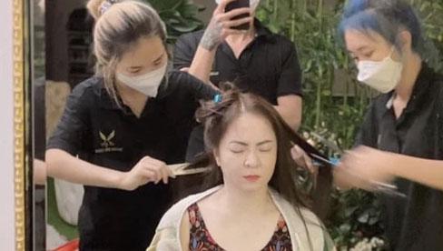 Bà Phương Hằng lần đầu lộ hình ảnh đi làm tóc, make up trước khi lên sóng, nhan sắc lại một lần nữa được dân mạng bàn luận sôi nổi